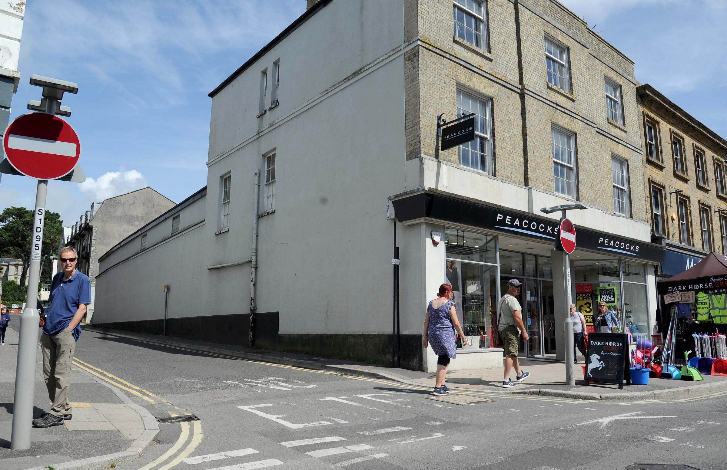 Bridport Town Council objects to 17 flats plan for East Street