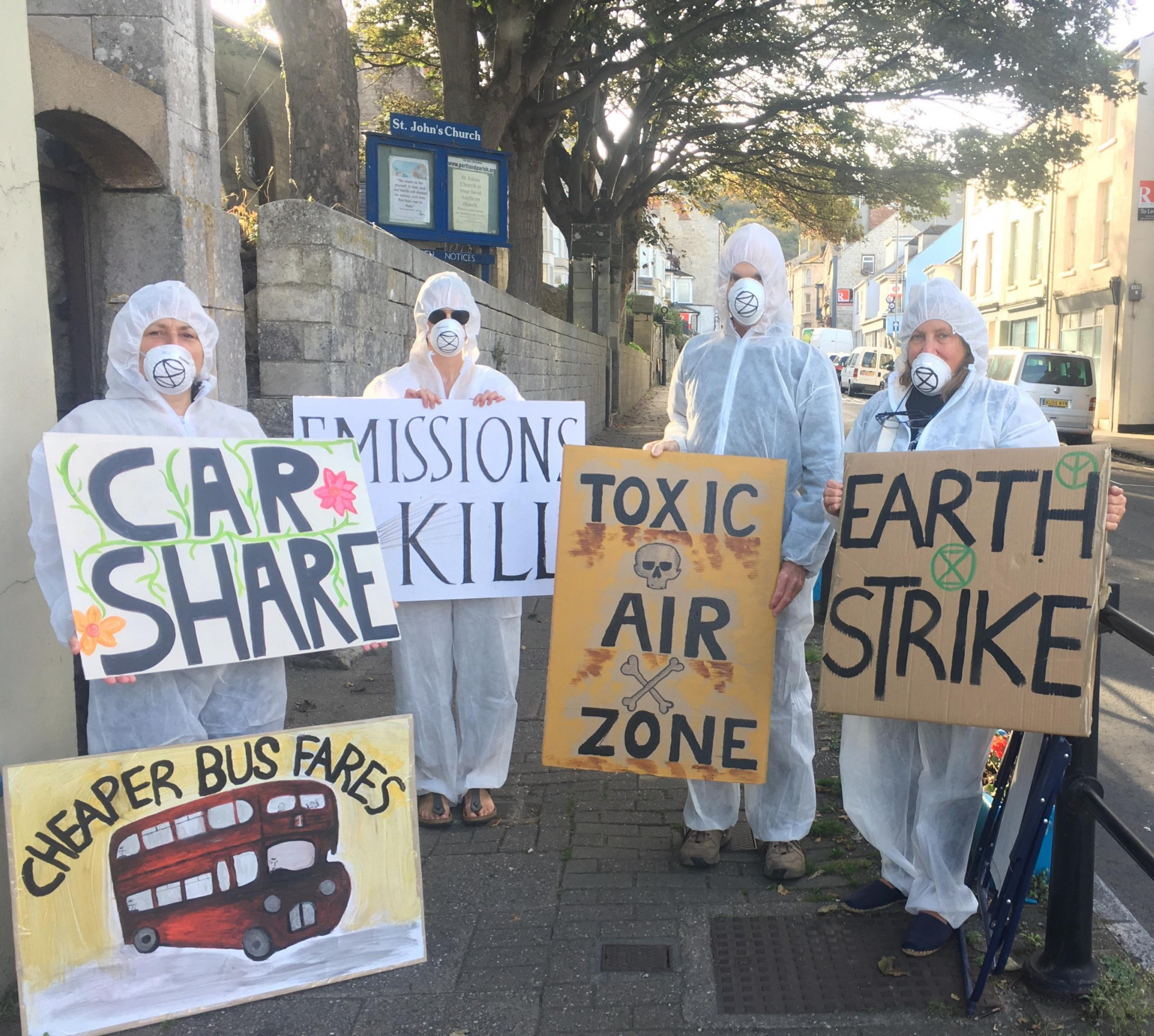 Extinction Rebellion protests air pollution on Portland