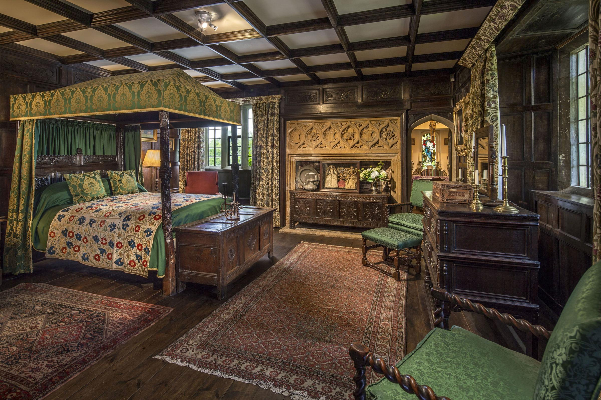 Manor House treasures fetch £1.5m (and a single stool sold for £33,800)