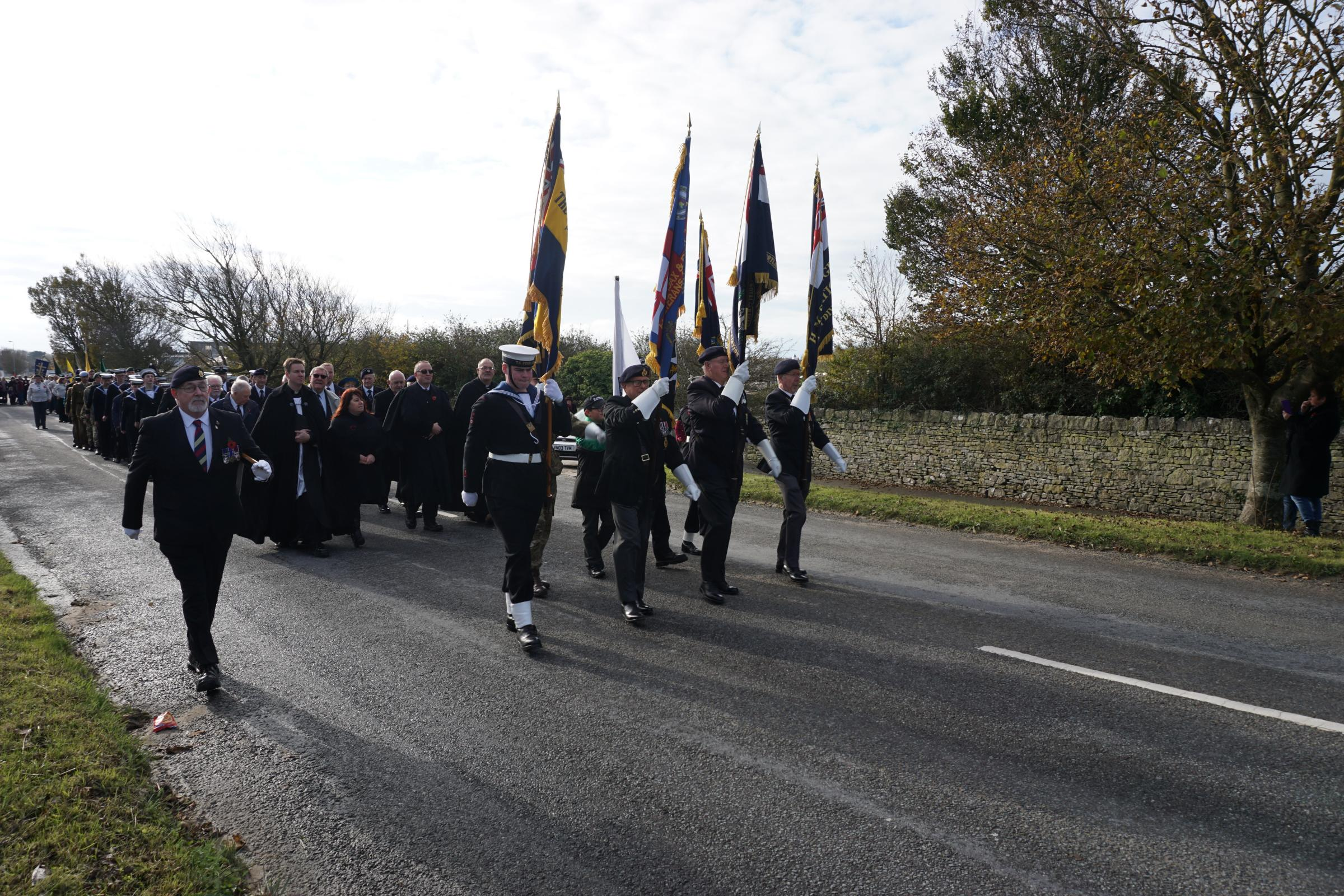 Hundreds gather to remember the fallen on Portland
