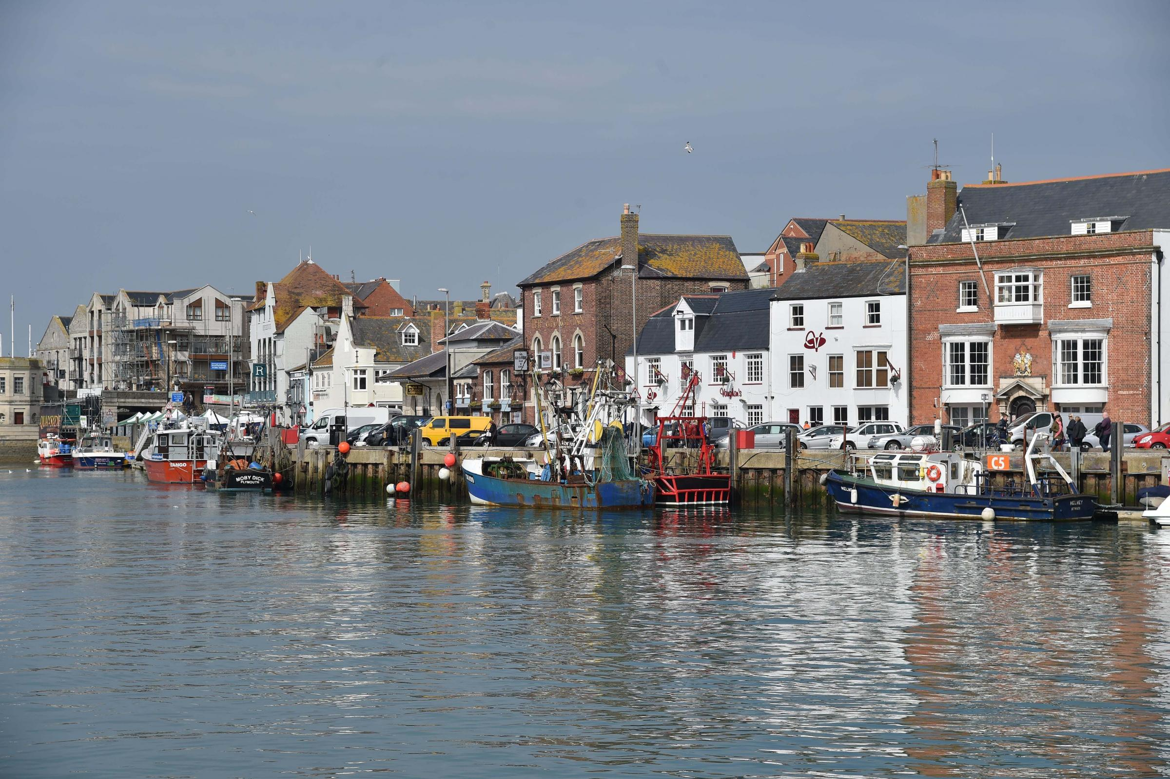 Oil spill training exercise in Weymouth Harbour - Dorset Echo