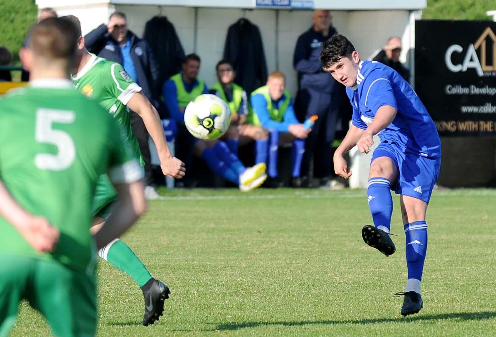 Football: Portland sign Weymouth keeper Tom Rees ahead of Fleet test - Dorset Echo