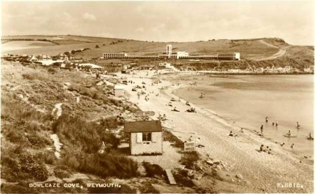 Dorset Echo: The hotel pictured in the 1940s