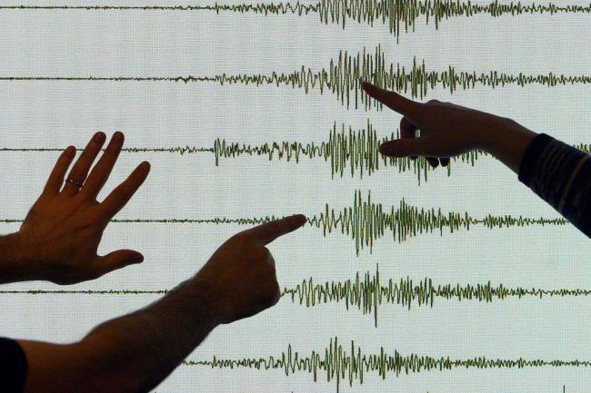 Dorset residents report 'earthquake'
