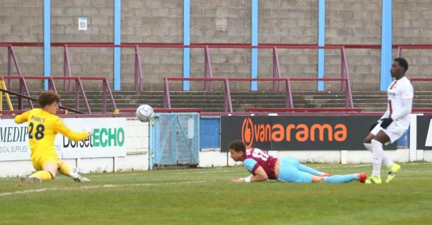 Dorset Echo: Calvin Brooks was denied by Weymouth-bred Adam Parkes Picture: MARK PROBIN
