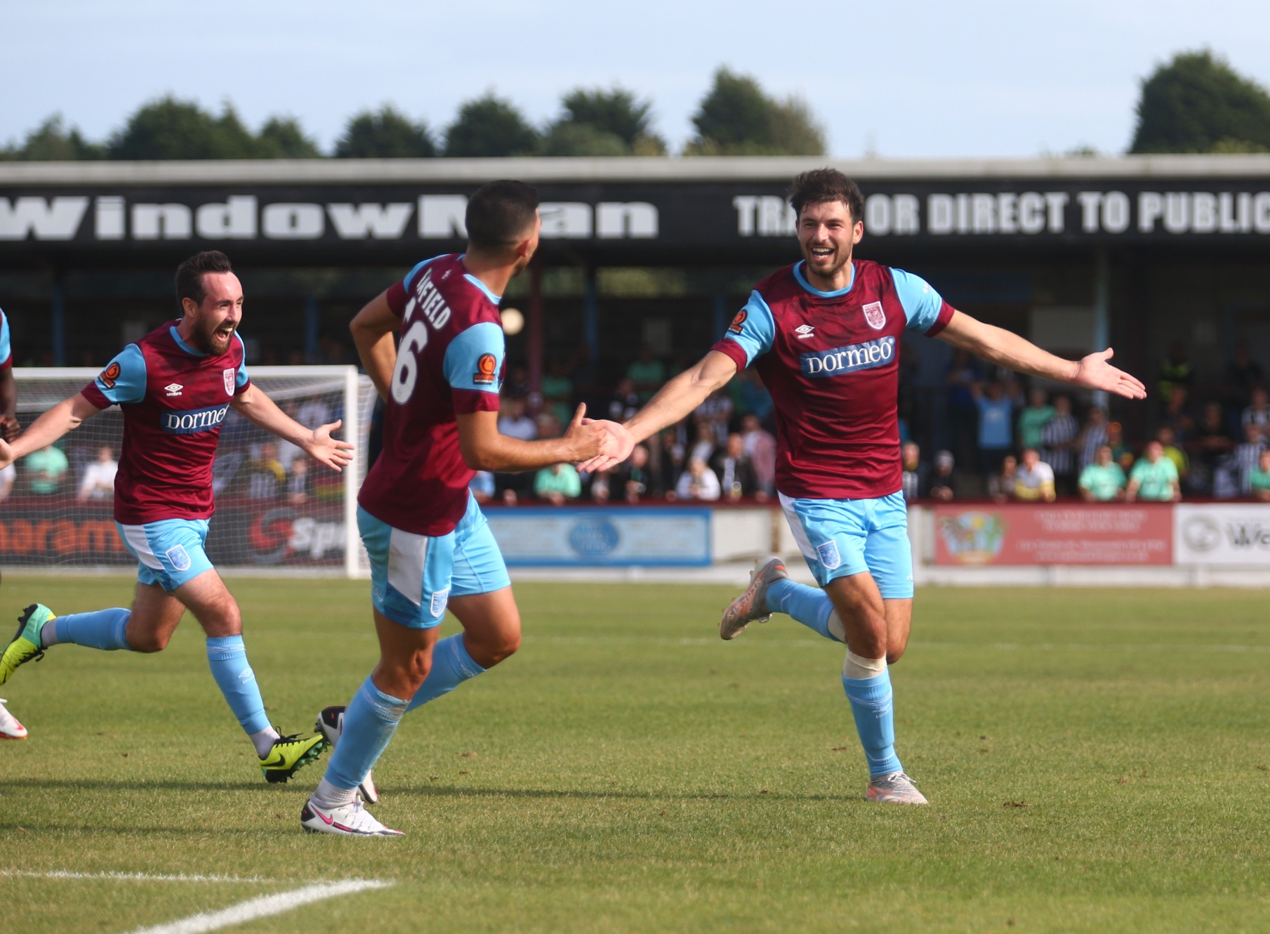 Terras and Magpies live match updates