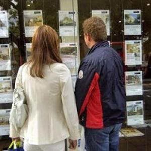 Property professionals say house prices are falling