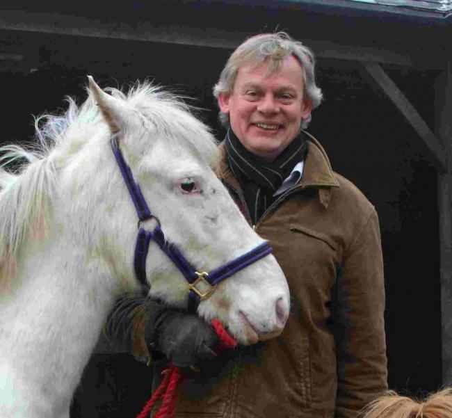 Martin Clunes is backing a scheme to help prisoners by enabling them to have contact with horses