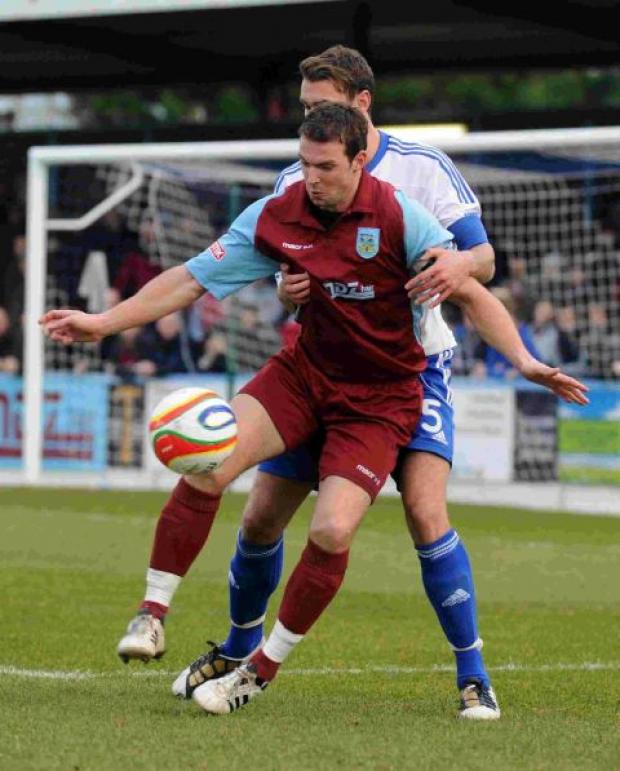 Dorset Echo: REUNION: Warren Byerley is set to face the Terras on the opening day