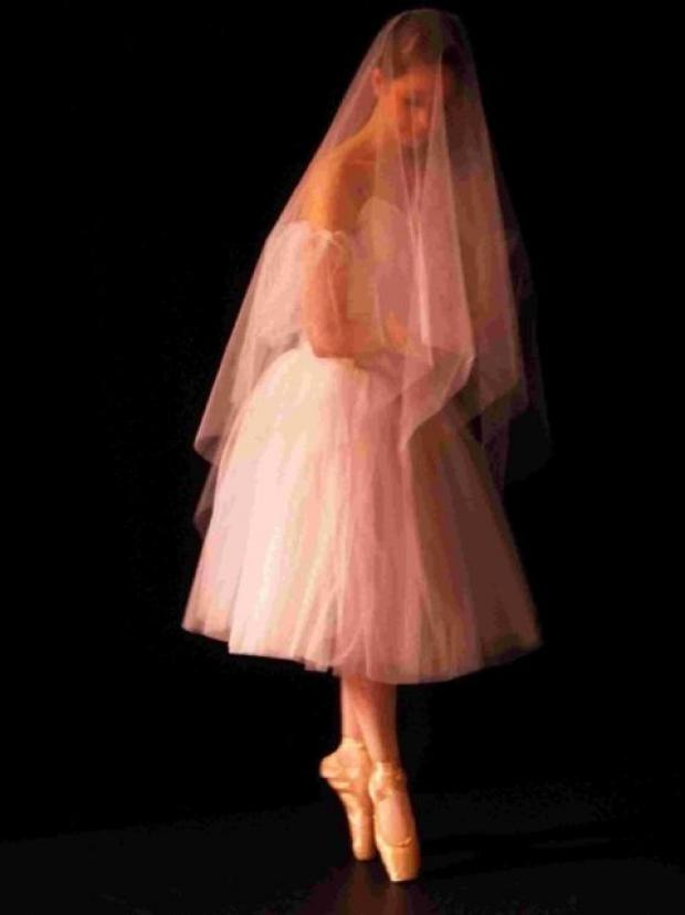 Dorset Echo: TOEING THE LINE: A performance of Giselle by South Coast Ballet