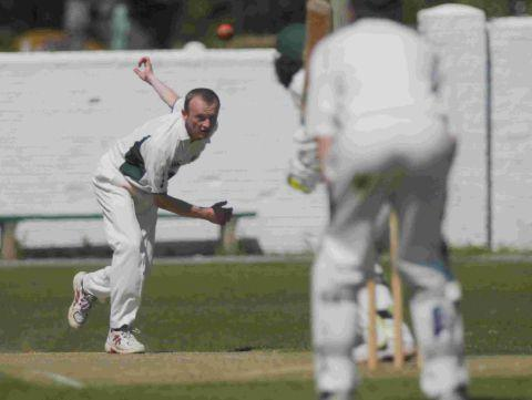 Dorset Echo: REACHING HIS PEAK: Mike Peak took four wickets