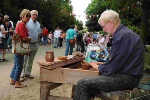 Dorset Echo: GATHER ROUND: Miles Bell of the New House Pottery, Broadoak