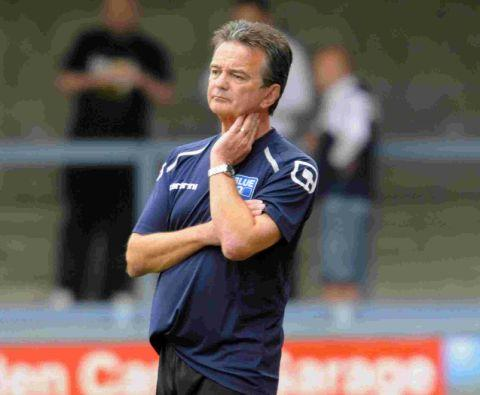 Dorset Echo: WARY: Manager Phil Simkin
