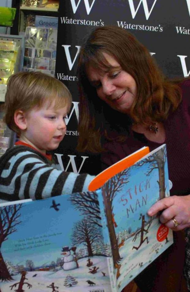 LIBRARY VISIT: Childrens' author Julia Donaldson