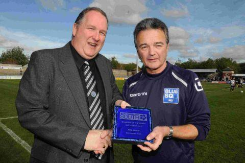 TOP BOSS: Magpies' secretary David Martin presents Phil Simkin with the Blue Square Bet South manager of the month award
