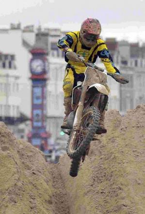 SPECTACULAR: Weymouth beach motocross