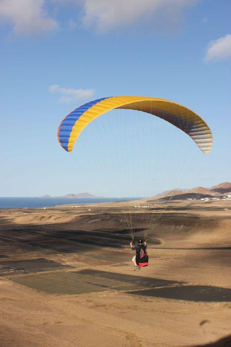 Paragliding in Lanzarote with Flight Culture