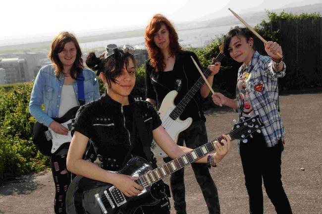Portland girl band ready to rock dorset echo rockin genna moore shauna booker kai bodenhamer and frankie williams are define malvernweather Images