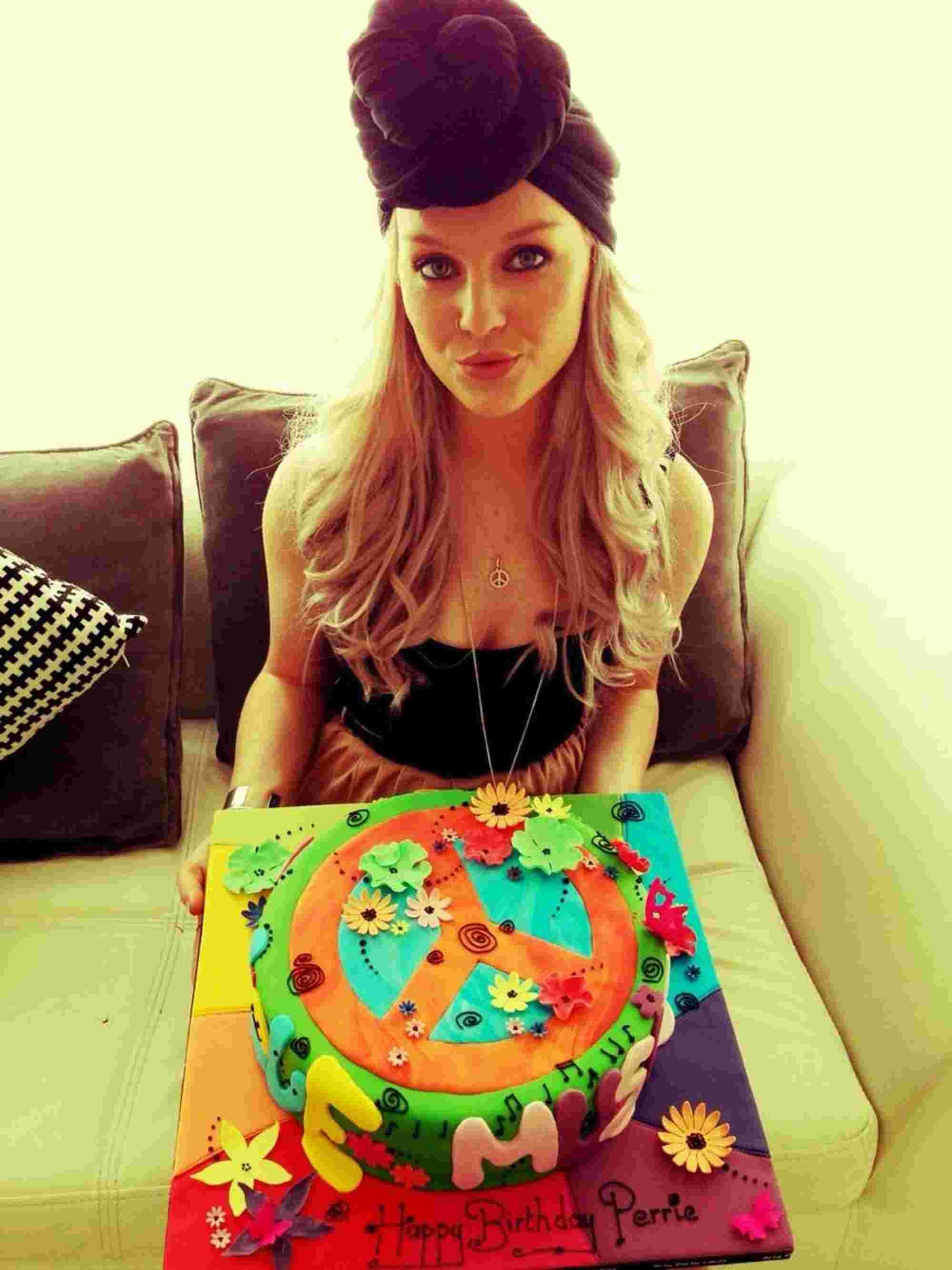 Hippy Chick Perrie Loves Her Weymouth Made Birthday Cake Dorset Echo