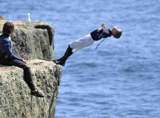 Public warned about tombstoning dangers