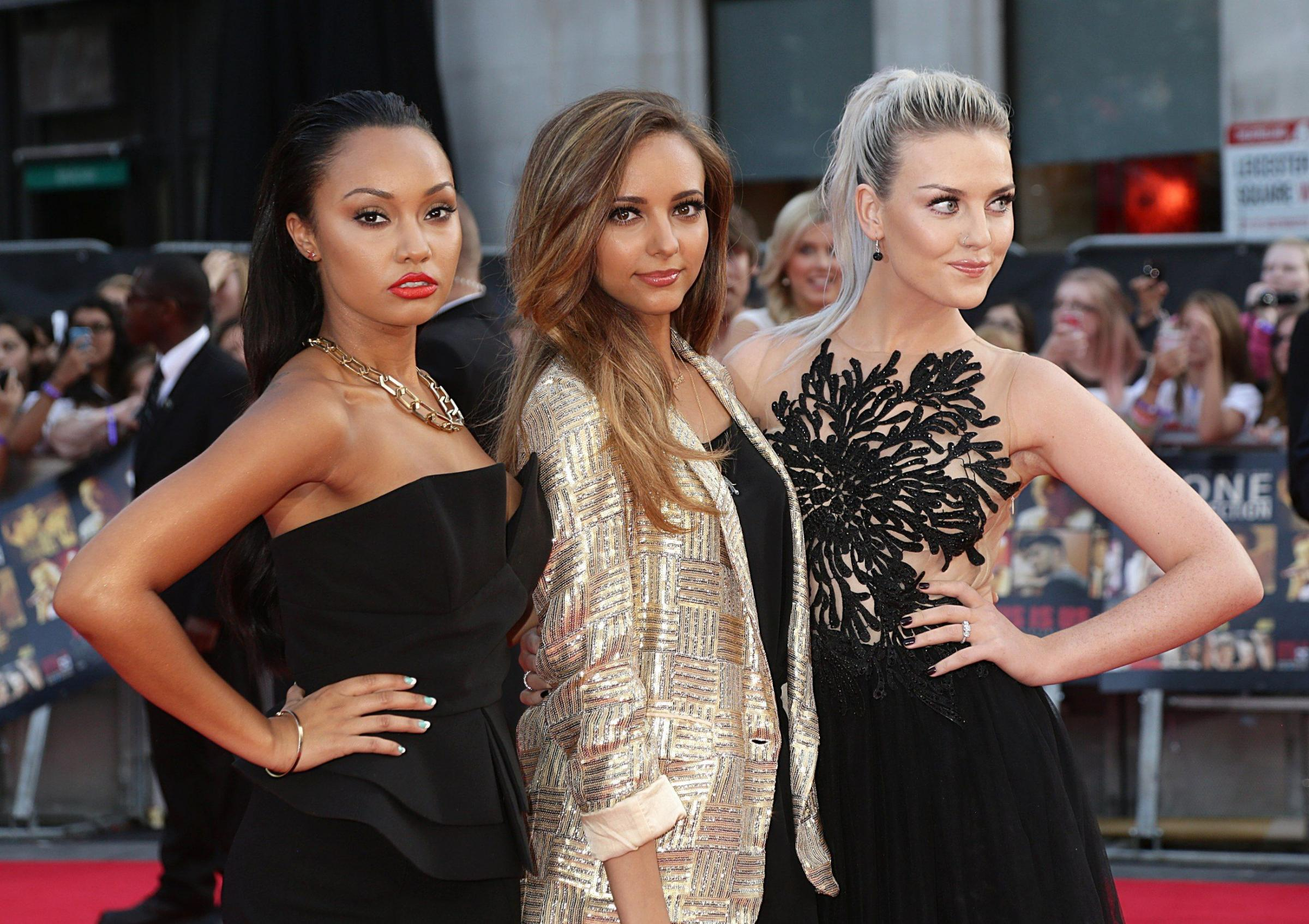 Perrie shows off the engagement at the One Direction premier