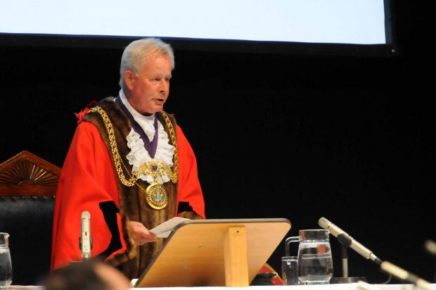 Mayor appeals for support for Channel Islands' link group