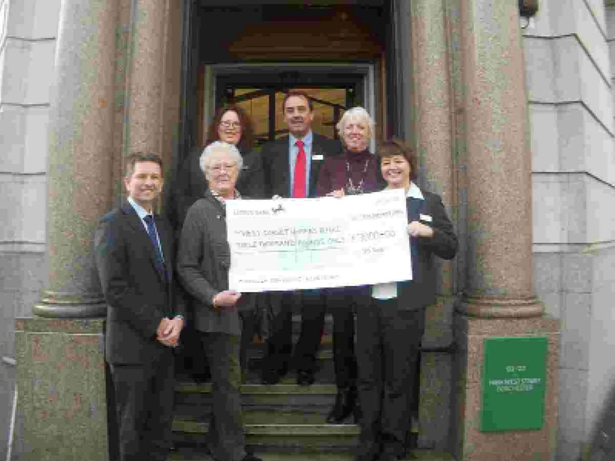 Public help charity get £3,000 boost
