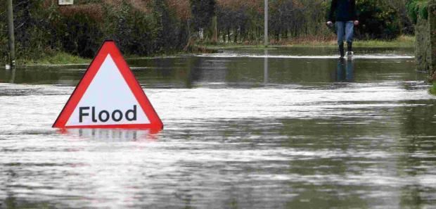 Dorset Echo: County braced for heavy rain and strong winds