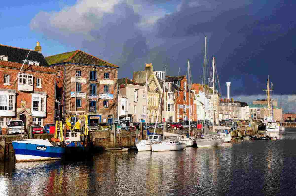 Al fresco dining plan for town harbourside