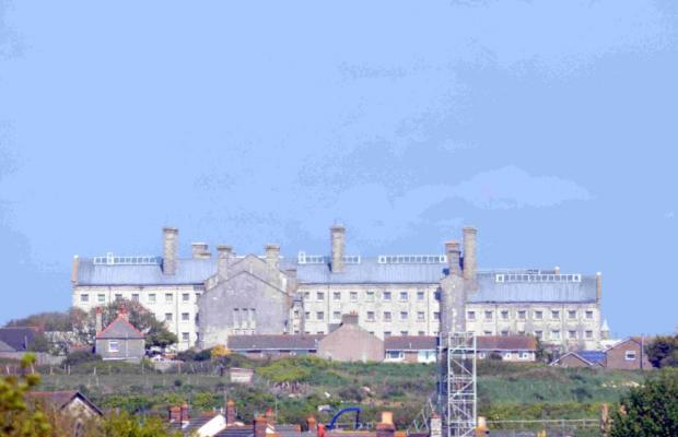 Police launch operation to stop prohibited items entering Portland prison