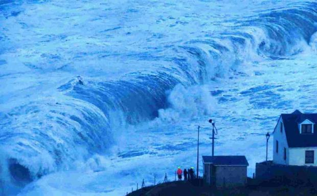 Dorset Echo: Waves breaking at Chesil Beach on Portland