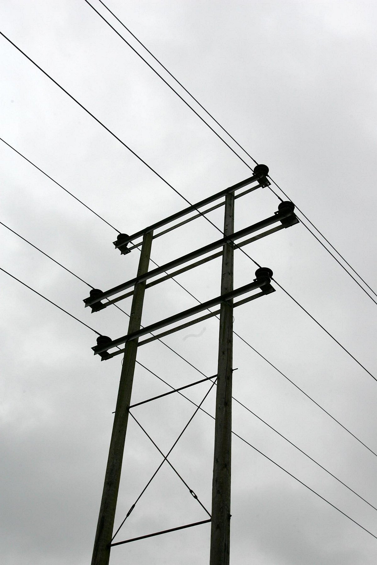 Fault leaves homes without power