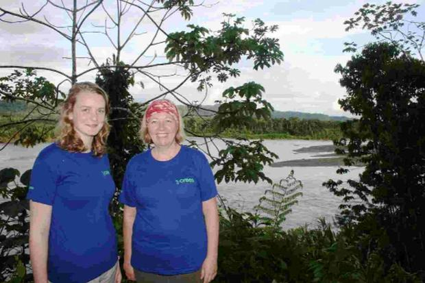 Georgie Mostyn and Pam Middlemast get acquainted in Peru