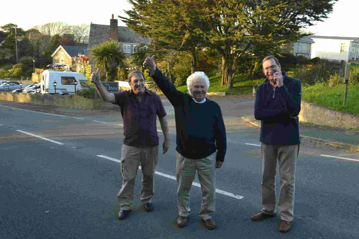 Coast Road campaigners' delight as white lines return after 6 years