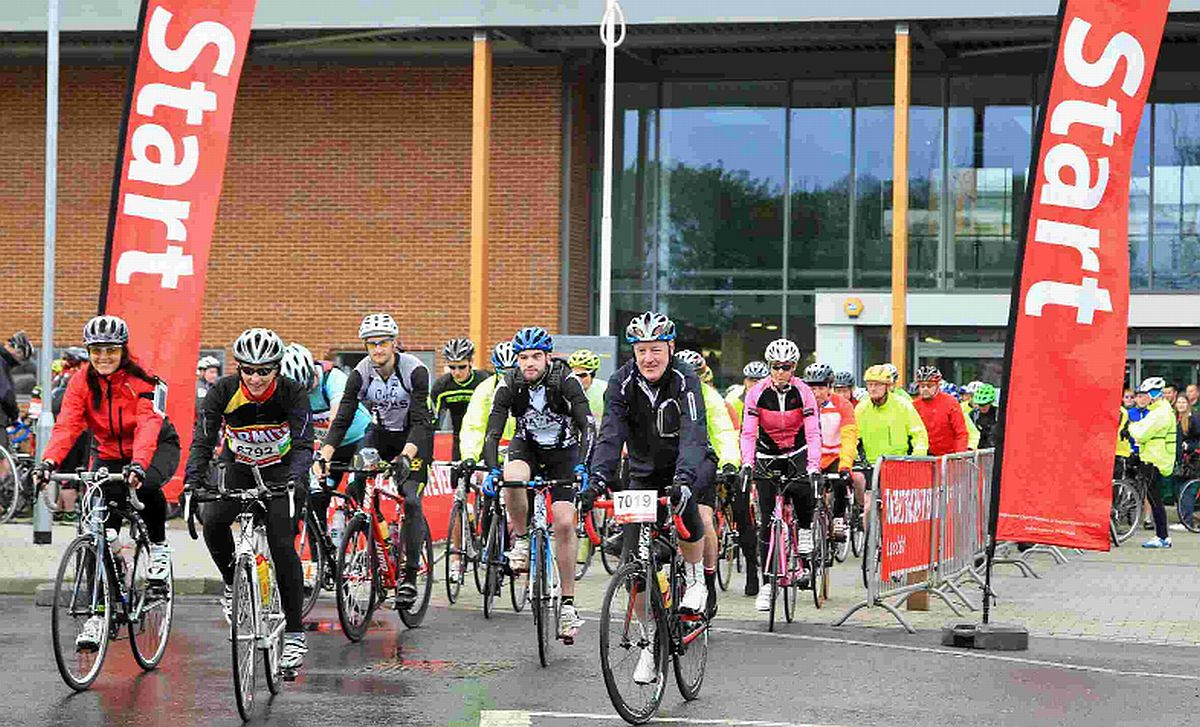 THEY'RE OFF!: Cyclists brave the damp conditions for the annual Dorset Bike R
