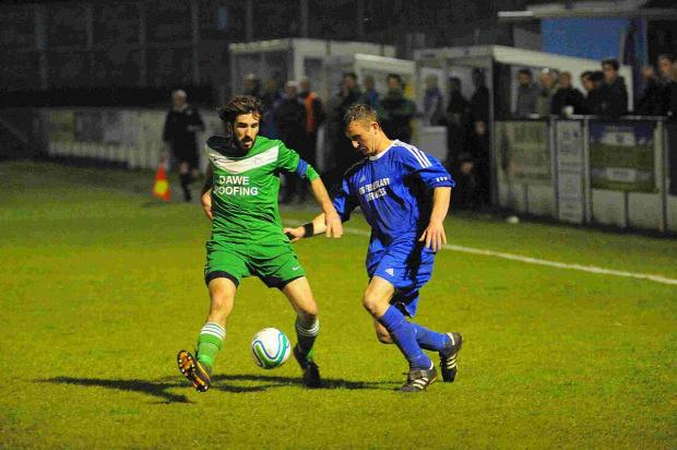 Dorset Echo: EYES ON THE BALL: Rich Sands and Ryan McKechnie
