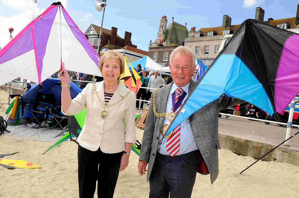 VIDEO: Go along to enjoy the fun at Weymouth's kite festival today