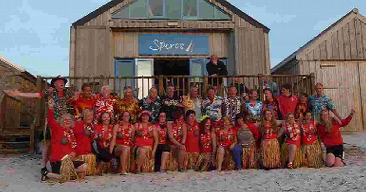 HAWAIIAN CELEBRATION: Portland Gig Rowing Club