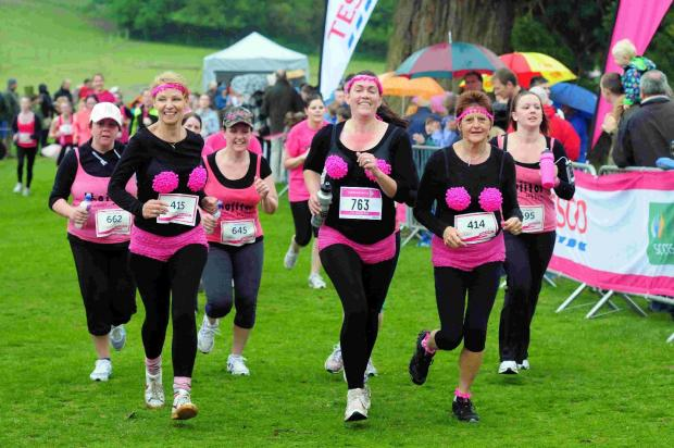 Dorset Echo: FUNDS RUN: Runners at last year's event