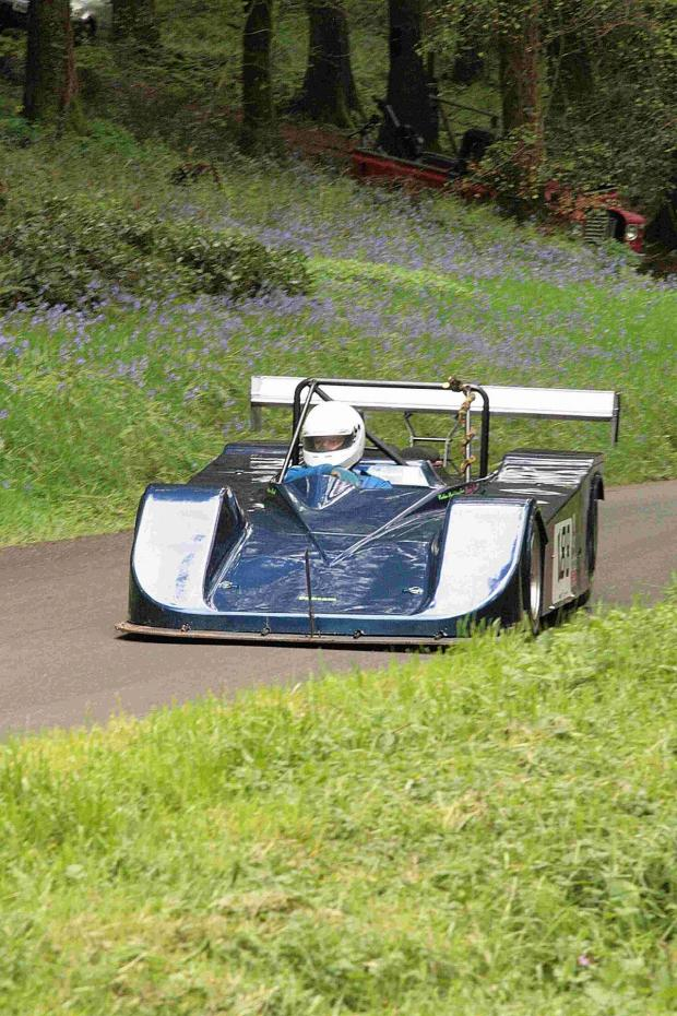 Dorset Echo: WATER WOES: Rod Thorne takes his first competitive climb in the Pilbeam MP43-Rover V8 before suffering a water pump failure