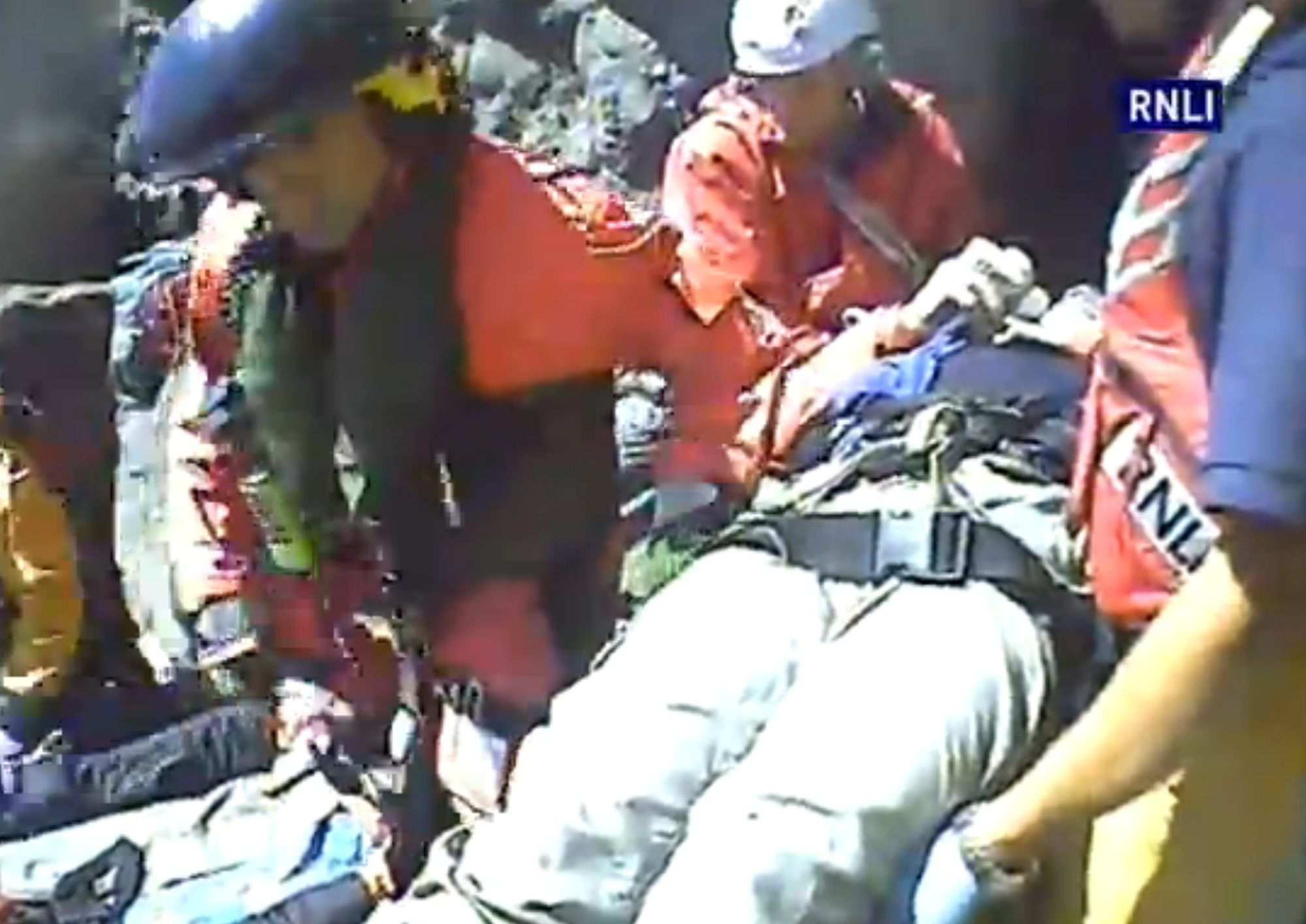 WITH VIDEO: Watch the dramatic moment RNLI crew and coastguards rescue a fallen climber at Swanage.