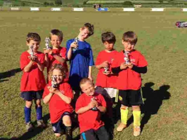Dorset Echo: TOP TEAM: Charmouth Under-7s