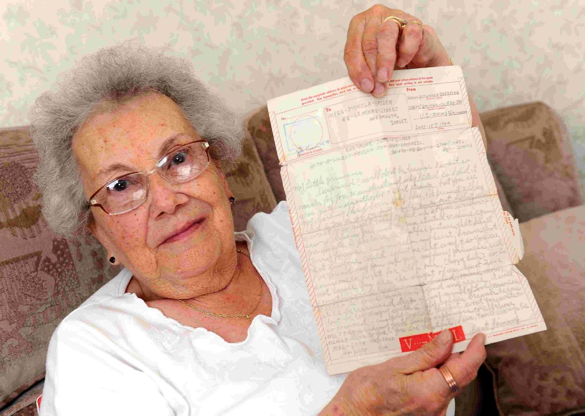 MY WORD: Pamela Garrett with letter she received from American soldier