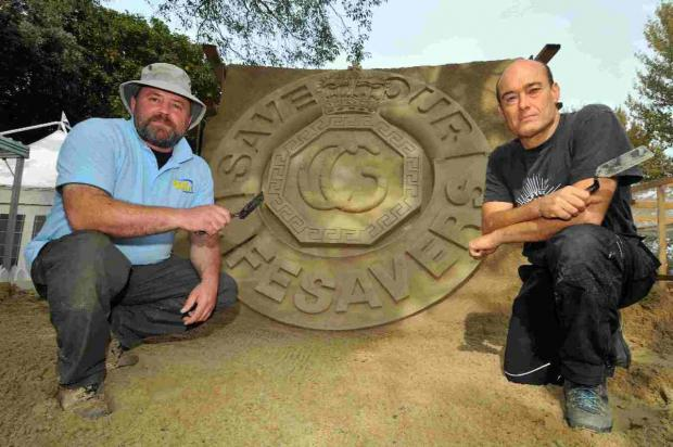 FINE AND SANDY: Sculptors Mark Anderson and David Hicks