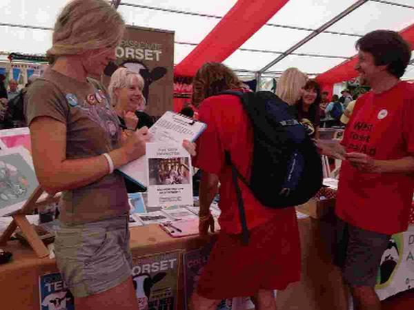 PETITION: Compassionate Dorset and West Dorset Animal Aid collecting more signatures at the Tolpuddle Martyrs Festival for their foie gras campaign