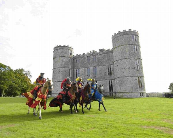 PERFORMANCE: Jousters in front of Lulworth Castle