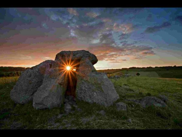 COUNTY LANDSCAPE: Hellstone sunset