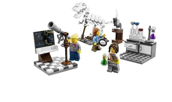The new 'research institute' set by Lego which includes a female palaeonto