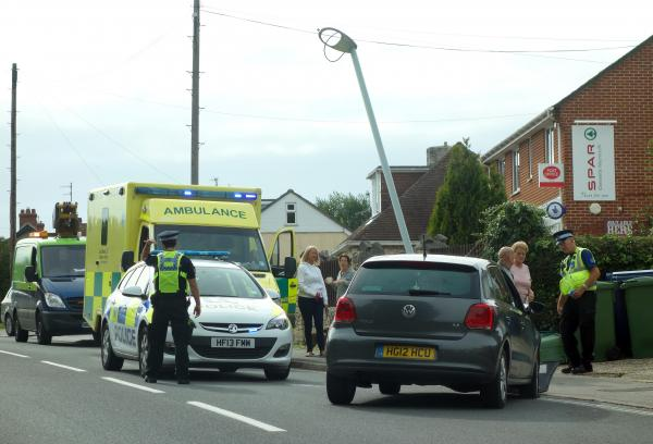 Car crashes in to lamppost in Weymouth