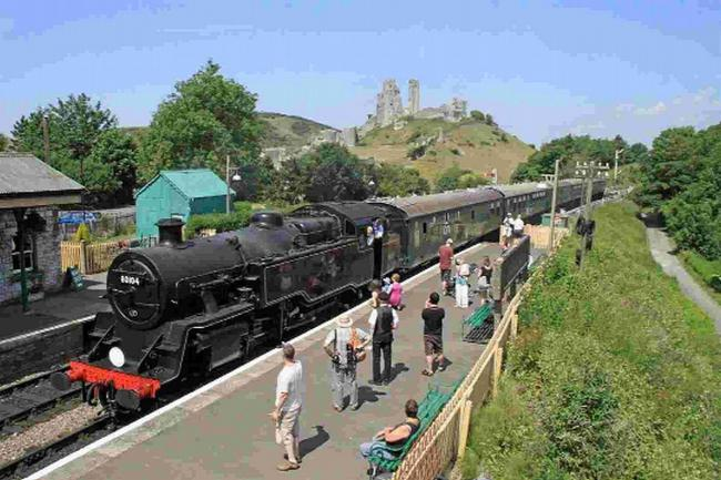 Cam you believe it? New webcam installed at the Corfe Castle's